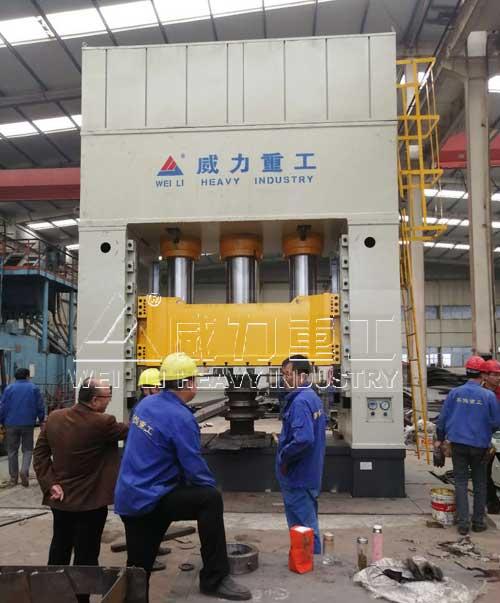 2000吨框架式高速热锻液压机